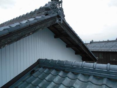 新潟県三条市屋根外壁塗装リフォーム専門店遠藤組 小壁リブ波カラーGL貼り
