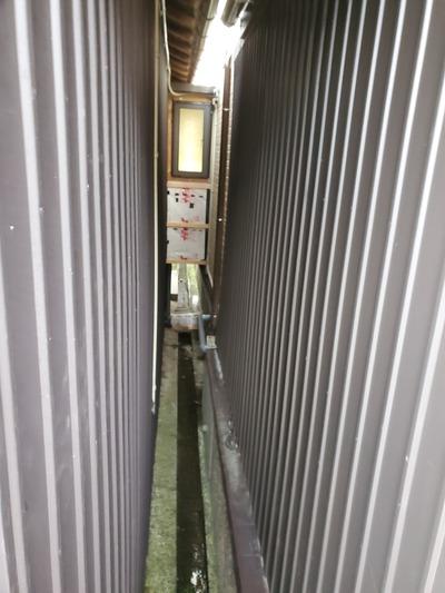 新潟県三条市の屋根外壁塗装リフォーム専門店『遠藤板金工業』狭い現場