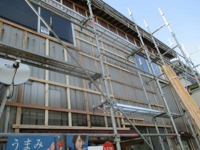 新潟県三条市の屋根外壁塗装リフォーム専門店遠藤組 外壁角波ガルバリウム鋼板張り