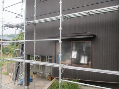 新潟県三条市の屋根外壁塗装リフォーム専門店遠藤組 明日外壁張り完了予定