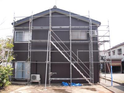 新潟県三条市屋根外壁塗装リフォーム専門店《遠藤組》足場解体を残してほぼ終わっています