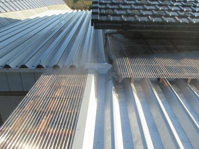 新潟県三条市の屋根外壁塗装リフォーム専門店遠藤組 折板屋根でカーポートの冬支度