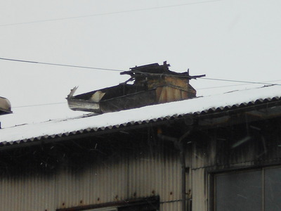 新潟県三条市の屋根外壁塗装リフォーム専門店遠藤組 風でルーフファンの笠が飛んでしまいました