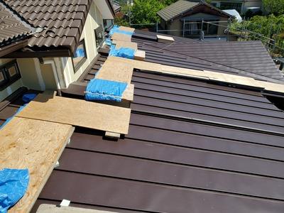 新潟県三条市の屋根外壁雨樋専門店「遠藤板金工業」カラーステンレス屋根