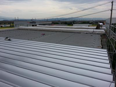 新潟県三条市の屋根外壁リフォーム専門店《遠藤組》見附市G社様3日目です。