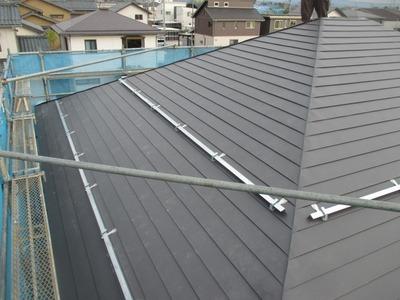 新潟県三条市の屋根外壁塗装リフォーム専門店遠藤組 横葺きカラーGL0.35mm