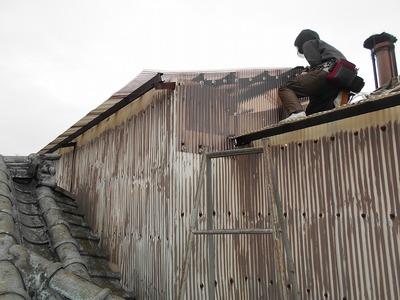 新潟県三条市の屋根外壁塗装リフォーム専門店 ポリカ波板 張替え