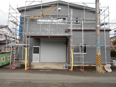 新潟県三条市の屋根外壁塗装リフォーム専門店遠藤組 外壁ガルバリウム角波カバー工事