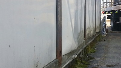 新潟県三条市の屋根外壁塗装リフォーム専門店遠藤組 プレハブ外壁修理の打ち合わせ