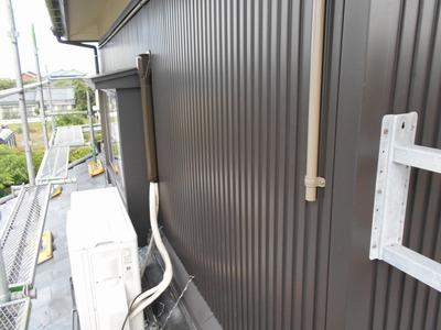 新潟県三条市の屋根外壁塗装リフォーム専門店遠藤組 ガルスパン貼っています。