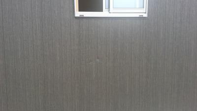 新潟県三条市の屋根外壁塗装リフォーム専門店遠藤組 足場屋さんに外壁を凹まされました。