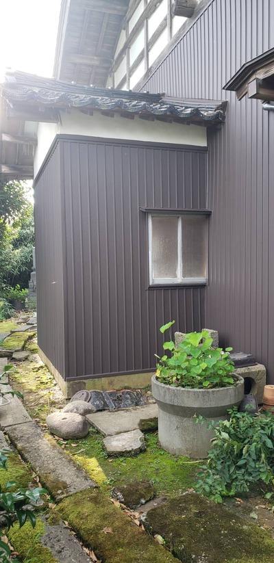 新潟県三条市の屋根外壁塗装リフォーム専門店「遠藤組」外壁がルバリウム鋼板でカバー工事