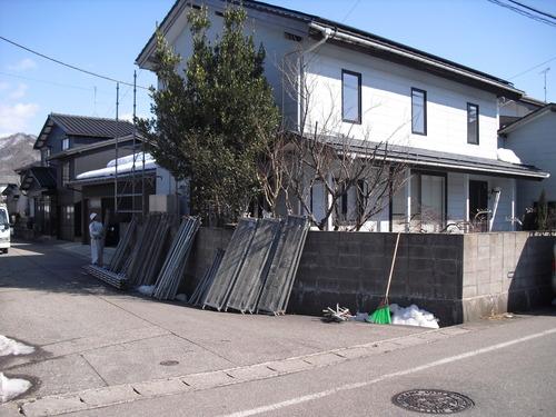 新潟県三条市屋根外壁塗装リフォーム専門店 遠藤組 H様邸足場組工事