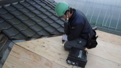 新潟県三条市の屋根外壁塗装リフォーム専門店遠藤組 下地補強構造用合板貼り