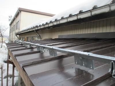 新潟県三条市の屋根外壁塗装リフォーム専門店 屋根カバー工事ガルバリウム鋼板0.5mm