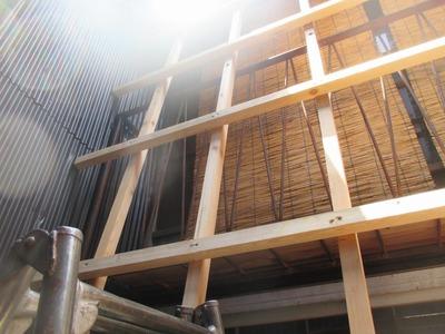 新潟県三条市の屋根外壁塗装リフォーム専門店遠藤組 冬囲い??じゃないです。