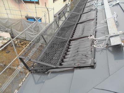 新潟県三条市の屋根外壁塗装リフォーム専門店 軒先雪止装置取替え見積り調査