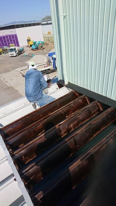新潟県三条市の屋根外壁塗装工事専門店「遠藤組」折板庇塗装工事