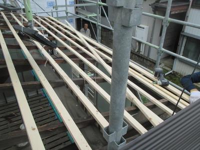 新潟県三条市の屋根外壁塗装リフォーム専門店遠藤組 屋根波板張り替え工事
