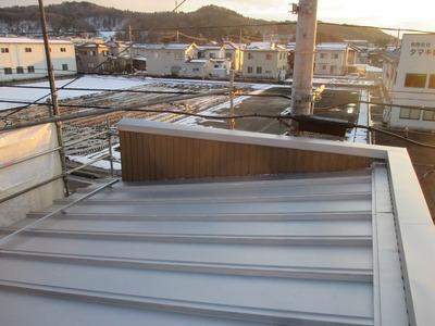 新潟県三条市の屋根外壁塗装リフォーム専門店遠藤組 S式カバールーフ0.35mmカラーGL