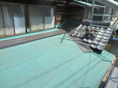 新潟県三条市の屋根外壁塗装リフォーム専門店遠藤組 横葺屋根の施工