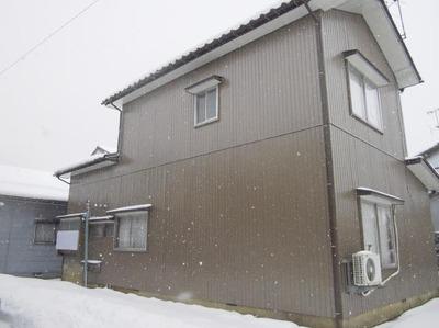 新潟県三条市の屋根外壁リフォーム専門店《遠藤組》外壁ガルバリウム鋼鈑