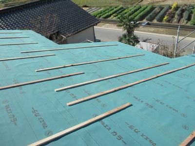 新潟県三条市の屋根外壁塗装リフォーム専門店遠藤組 屋根アスファルトルーフィング940下張り