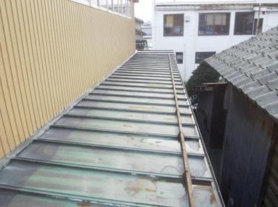 新潟県三条市の屋根外壁塗装リフォーム専門店《遠藤組》 I製作所工場屋根カバー工事