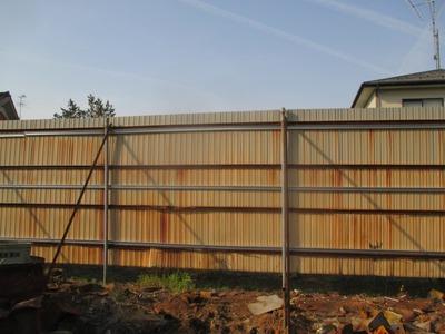 新潟県三条市の屋根外壁塗装リフォーム専門店遠藤組 波板の塀、補強