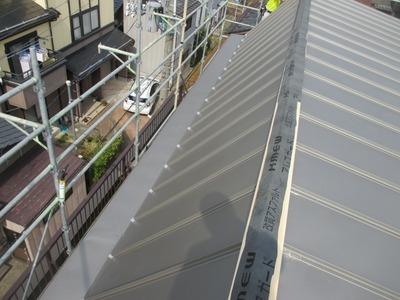 新潟県三条市の屋根外壁塗装リフォーム専門店遠藤組 ステンレス屋根の葺き替え