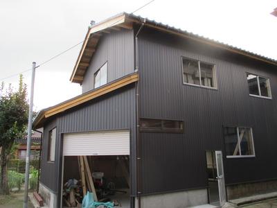 新潟県三条市の屋根外壁塗装リフォーム専門店遠藤組 角波カラーガルバリウム張