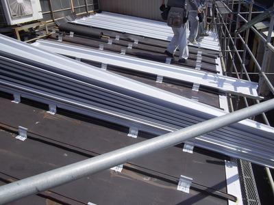 屋根外壁塗装リフォーム専門店 遠藤組(遠藤板金工業) 屋根カバー工事、鉄骨下地も修理