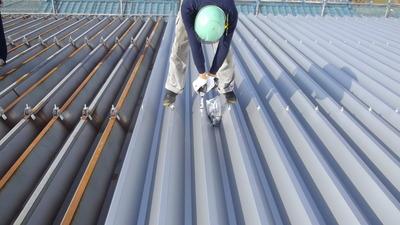 新潟県三条市の屋根外壁塗装リフォーム専門店遠藤組 折板屋根カバー工事