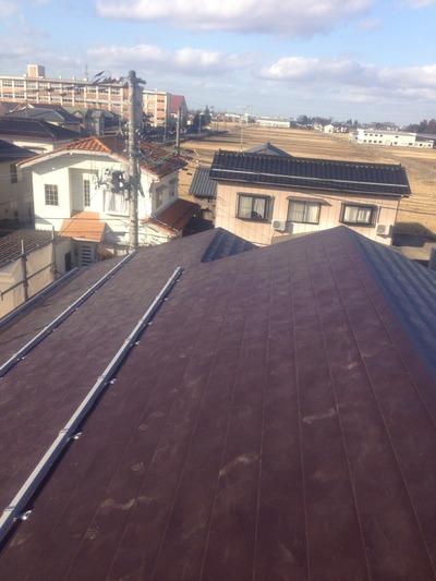 横葺屋根カラーステンレス0.35mmアポロ式働き200mmです。本屋だけ完了。