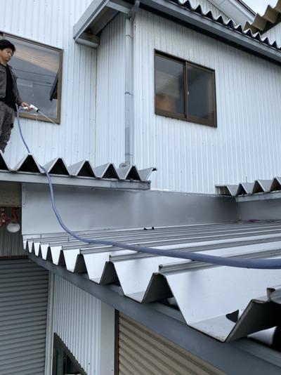 新潟県三条市の屋根外壁雨樋専門店「遠藤板金工業有限会社」雨漏り修理