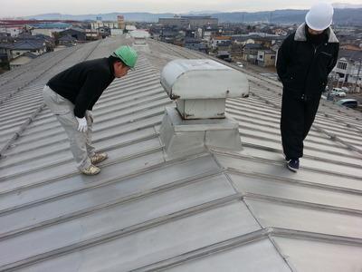 新潟県三条市屋根外壁リフォーム専門店《遠藤組》屋根コーキング(応急修理)