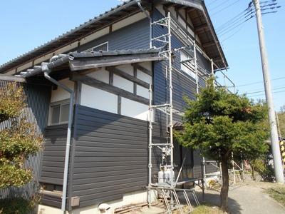 新潟県三条市の屋根外壁塗装リフォーム専門店遠藤組 角波カラーGL0.35の逆押し成型よこばり