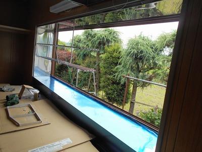 新潟県三条市の屋根外壁塗装リフォーム専門店遠藤組 出窓内部ステンレス板貼り