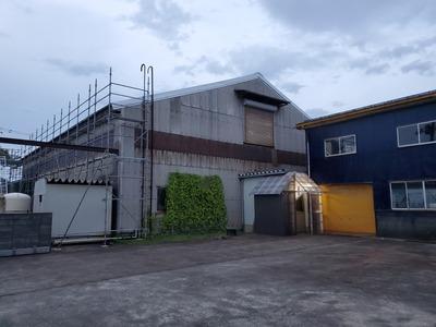 新潟県三条市の屋根外壁塗装リフォーム専門店遠藤板金工業(有)スレート屋根カバールーフ『やまなみルーフ』工事中