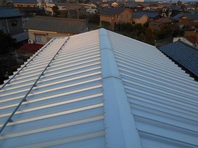 新潟県三条市の屋外壁塗装リフォーム専門店遠藤組 屋根雪止アングル取り付け依頼