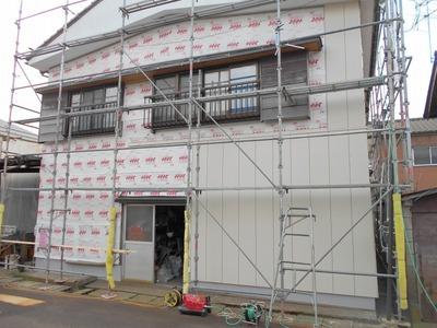 新潟県三条市の屋根外壁塗装リフォーム専門店遠藤組 外壁サイディング張