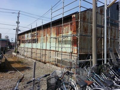 新潟県三条市の屋根外壁塗装リフォーム専門店遠藤組 三条市K社様外壁工事の為の足場掛け