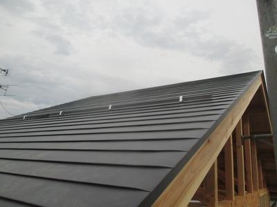 新潟県三条市の屋根外壁塗装リフォーム専門店遠藤組 横葺カラーガルバリウム鋼板