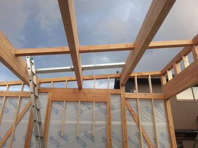 新潟県三条市の屋根外壁塗装リフォーム専門店遠藤組 折板ハゼ600を葺く予定です。