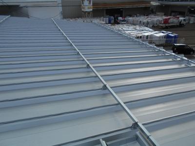 新潟県三条市の屋根外壁塗装リフォーム専門店遠藤組 雪止取り付け