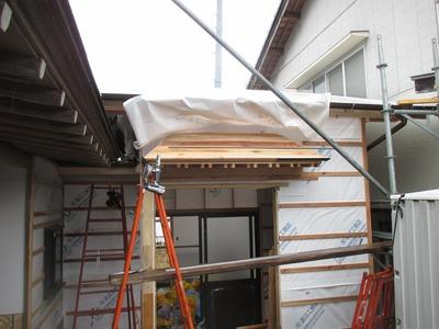 新潟県三条市の屋根外壁塗装リフォーム専門店遠藤組 庇にカラーステンレス板を使用