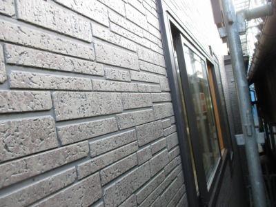 新潟県三条市の屋根外壁塗装リフォーム専門店 遠藤組 外壁目地コーキング打ち直し