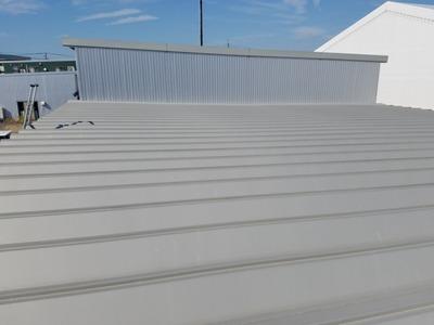 新潟県三条市の屋根外壁塗装リフォーム専門店遠藤組 折板屋根断熱カバー工事