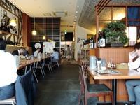 麺家三士 店内1