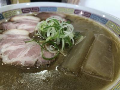 18/05/25煮干鰮豚骨らーめん嘉饌 04
